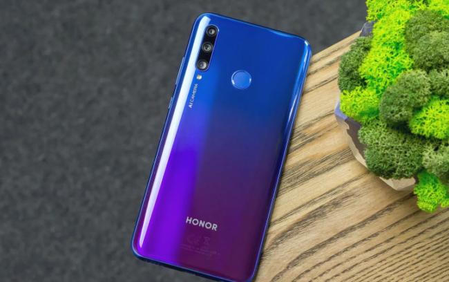 Лучшие смартфоны Honor до 20000 рублей по характеристикам