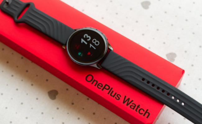 Обзор OnePlus Watch — первые умные часы компании